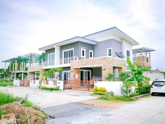 บ้านตัวอย่าง เดอะแกรนด์5
